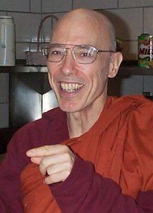 https://upload.wikimedia.org/wikipedia/commons/0/00/Bhikku_Bodhi.jpg